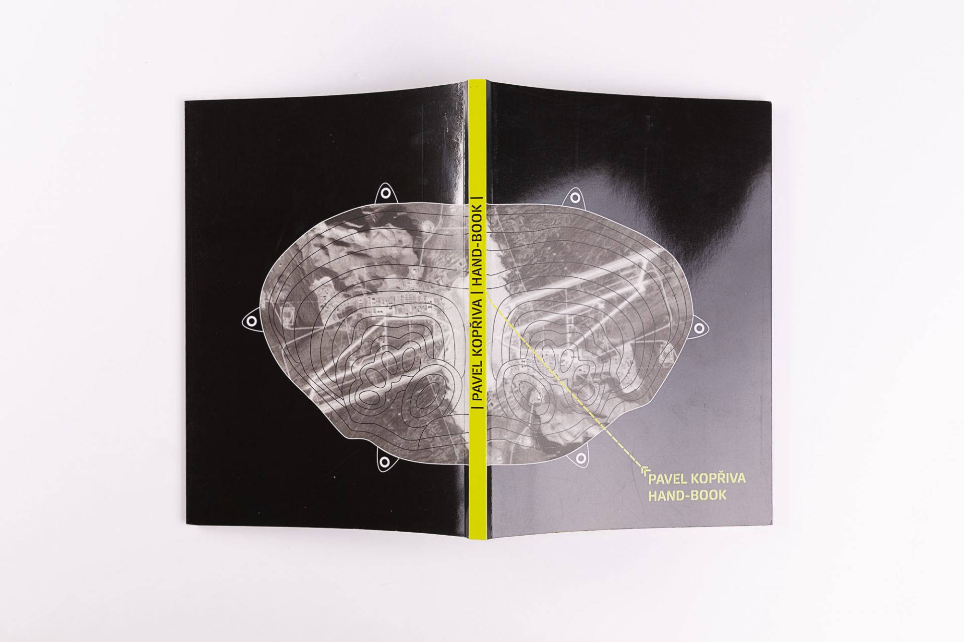 Hand-Book. Pavel Kopřiva. Edice FUD. Foto Tereza Vlasáková