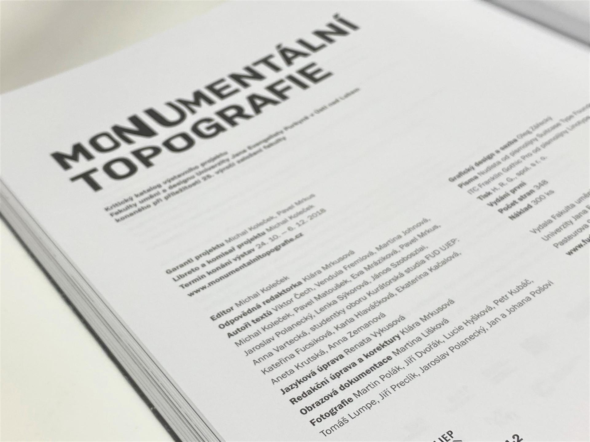Mo-nu-mentalní topografie_kriticky_katalog-tiraz_Klara-Mrkusova