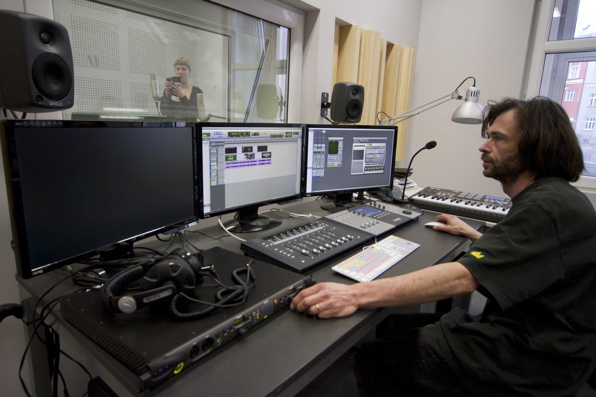 fud--av-studio